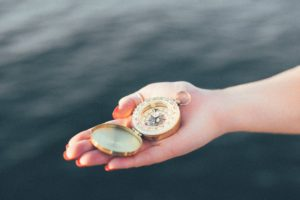 compass hand, Life is ajourney życie jest podróżą