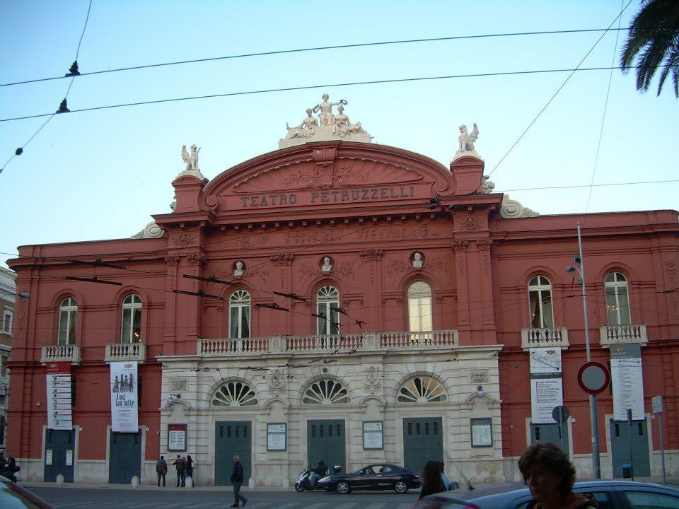 teatro petruzzelli, Bari Rozkoszuj się życiem wsamym sercu Apulii!
