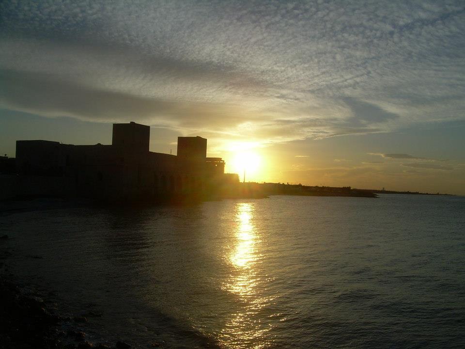 sunset in Trani, zachód słońca, Apulia, Rozkoszuj się życiem wsamym sercu Apulii!