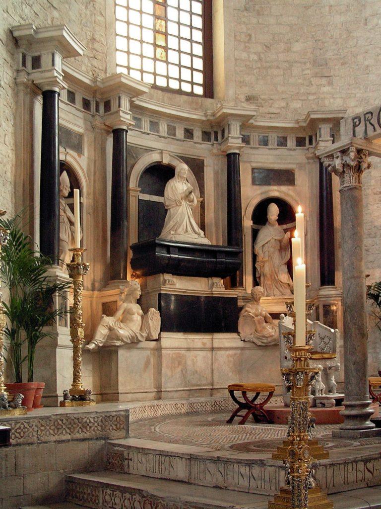 Bari Bona Sforza, Rozkoszuj się życiem wsamym sercu Apulii!