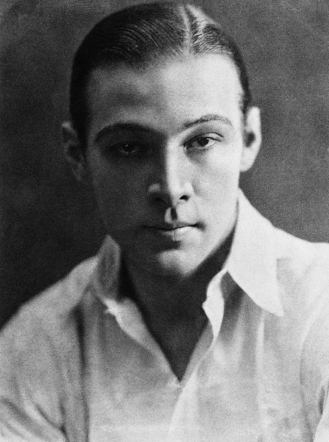 Rodolfo Valentino latin lover, Taranto iokolice odkryj wybrzeże morza Jońskiego