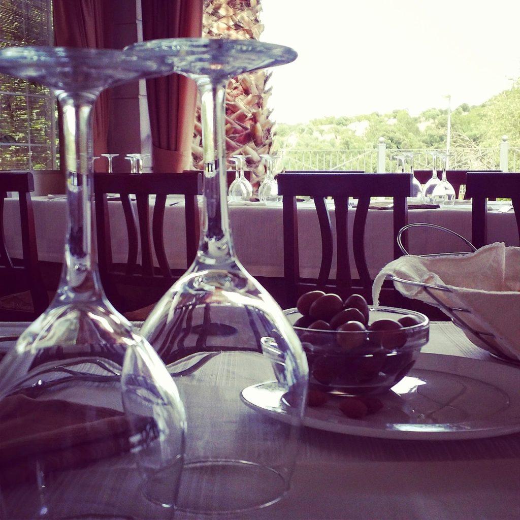 wine Martina Franca Valle d'Itria, Valle d'Itria przenieś sie domagicznej krainy domków trulli
