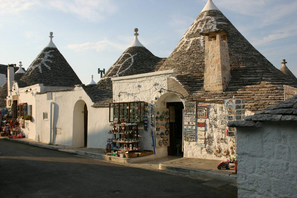 trulli Alberobello, Valle d'Itria przenieś sie domagicznej krainy domków trulli