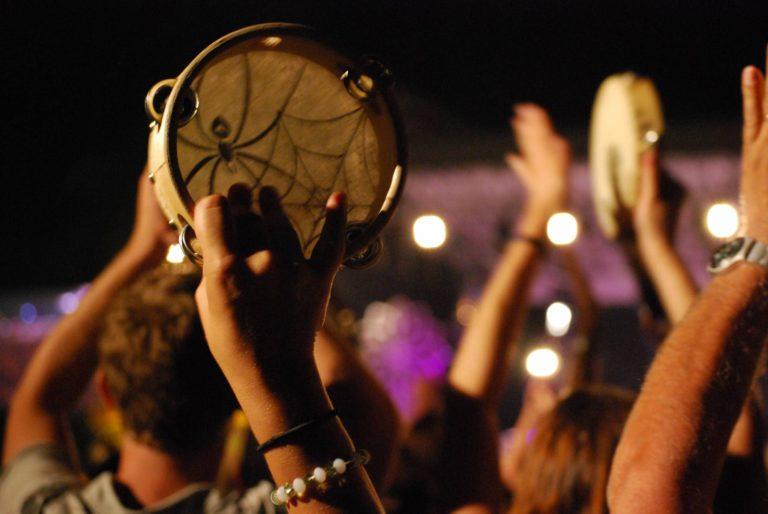 Poznaj folklor ismaki Apulii – feste patronali, sagry, notte della Taranta