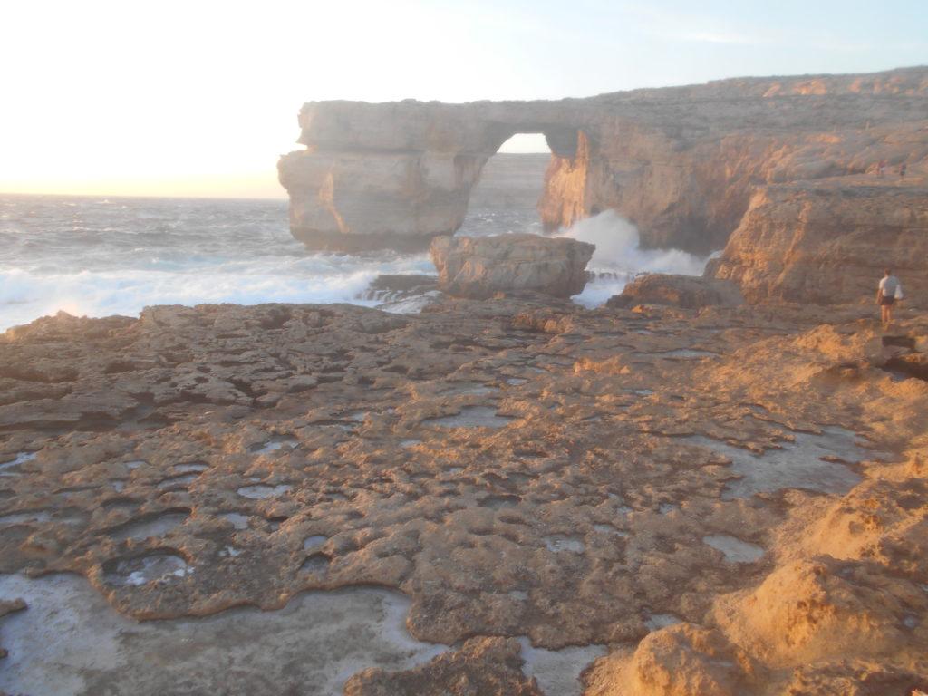 Azure window Gozo sunset, Malta iGozo praktyczny przewodnik