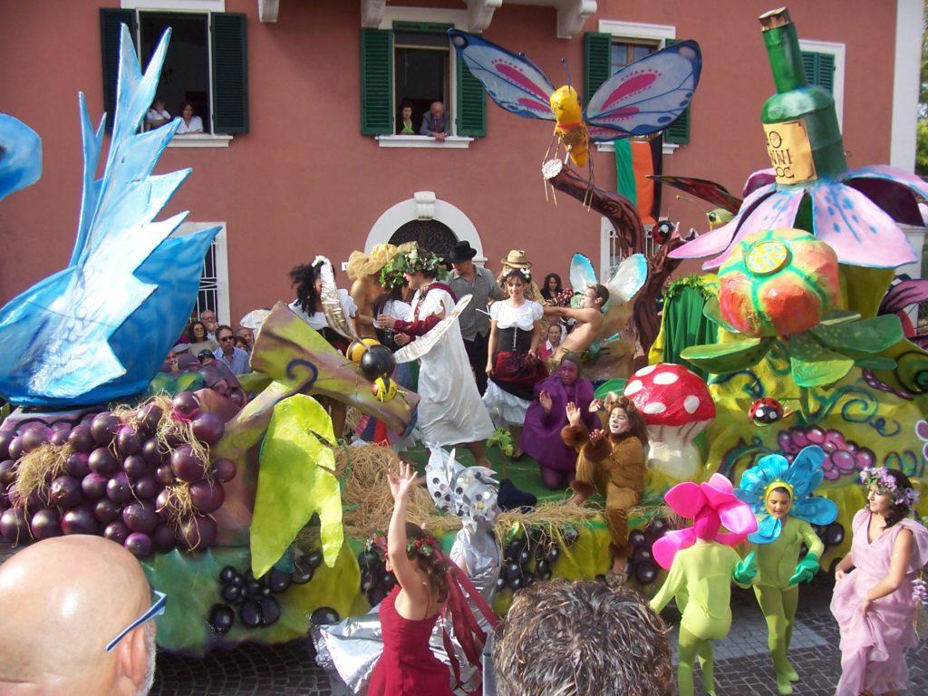 festa-dell-uva source:http://nuke.prolococinigiano.org